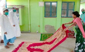 শুধু ঈদে নয়, রমজানেও ৫ ওয়াক্ত নামাজের জায়গা দিয়েছেন হিন্দু পরিবার